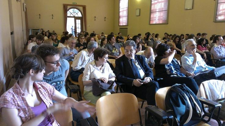 La sala comincia a riempirsi a Pavia per #italy4science