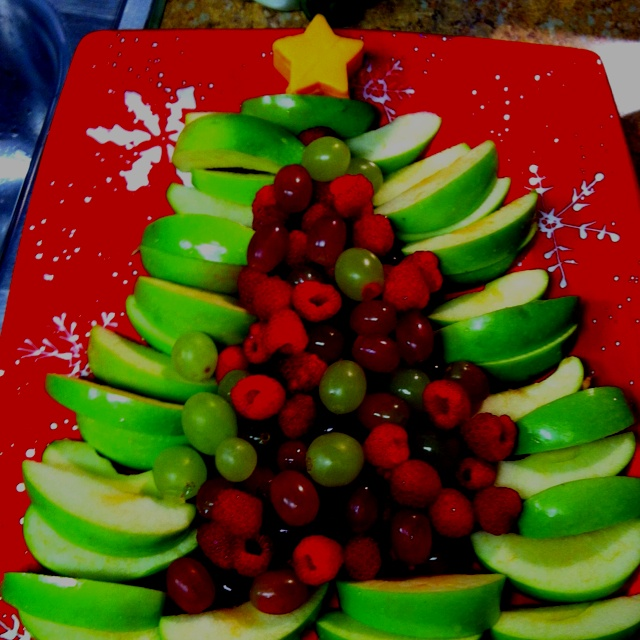 This Christmas fruit tree is so easy!: Christmas Food, Christmas Time, Christmas Winter, Christmas Eve, Christmas Ideas, Christmas Party