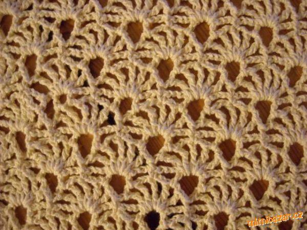 Háčkovaný krajkový vzoreček na šálu polštářky topíky