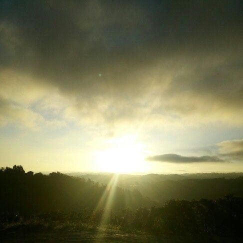 Goodmorning world !!! #langhe #dianodalba #unesco #langheunesco #instalanghetti #ig_piemonte #ig_cuneo #igerslanghe #nofilter #cool #wine #sunrise #alba #vendemmiaitalia #september