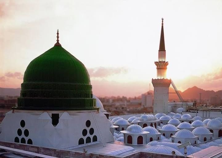 http://blog.umrahexperts.co.uk/2015/05/13/what-is-the-ziyarat-of-mosque-al-nabavi/ #Mosque Al Nabavi is the mosque created by the #Prophet (peace be on him) upon his advent to Medinah. It is the second most loved mosque in Islam and the second biggest on the planet, after the #Mosque al-Haram in Makkah.