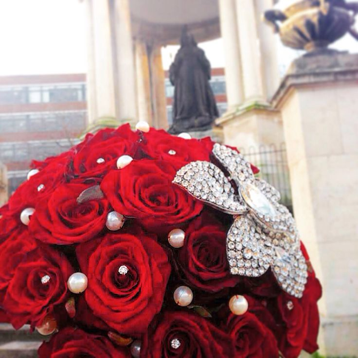 Brides bouquet . By Magnolia House of Flowers