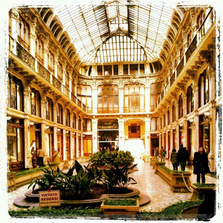 Torino, Galleria Subalpina http://blackcatsouvenirs.blogspot.com