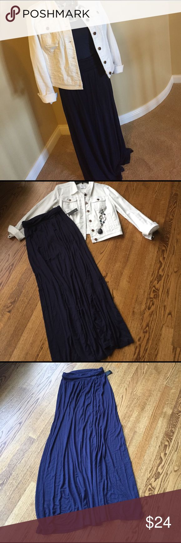 NWT Navy Maxi skirt NWT Navy maxi skirt size medium by AB Studio. AB Studio Skirts Maxi