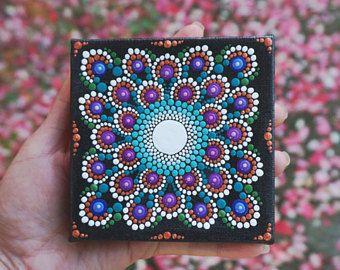 """Stip Mandala schilderen op Mini gewikkeld doek 4 """"x 4"""" ezel opgenomen. Ondertekende originele kunst"""