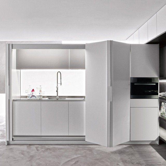 Angolo Cottura Ad Armadio.La Cucina Nell Armadio Mobili Compatti E Salvaspazio Cose Di Casa Nel 2020 Angolo Cottura Arredamento Idee Per La Cucina