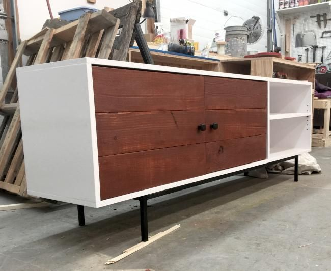 17 best ideas about modern entertainment center on pinterest tv credenza modern tv room and - Moderne consoles ...