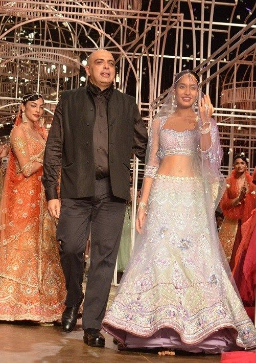 Indian Dresses For Wedding By Tarun Tahliani At PCJ Delhi Couture Week 2013
