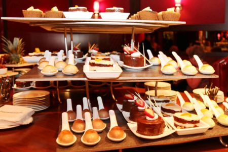 Dessert samples at Horseshoe Tunica's Jack Binion Steak. (Courtesy Horseshoe Tunica),