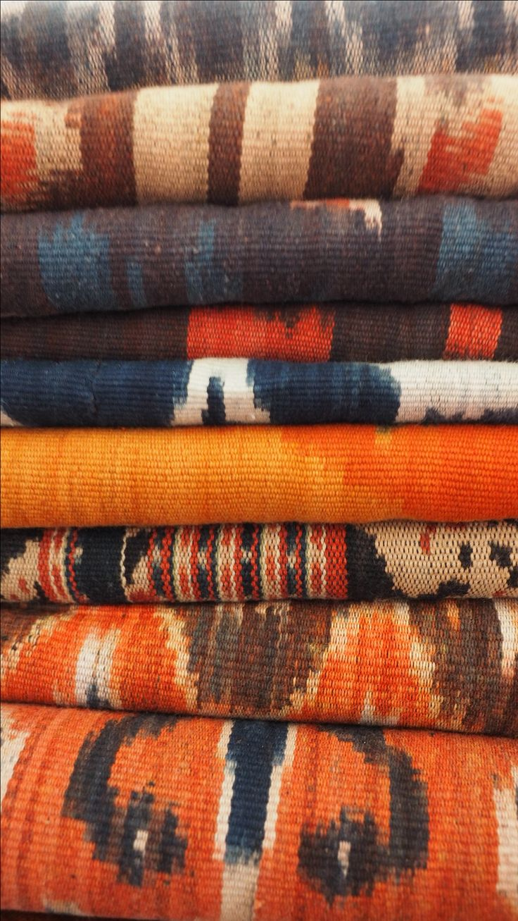 SUMBA CLOTH // going through our Sumba collection. We have lots to choose!