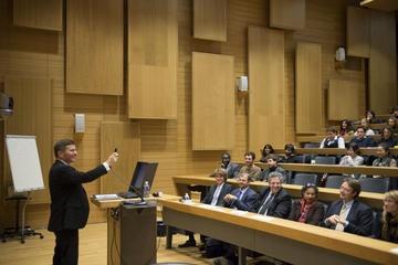 HEC Paris - Actualités - L'Ambassadeur des Etats-Unis, Charles H. Rivkin, ouvre l'American week sur le campus d'HEC
