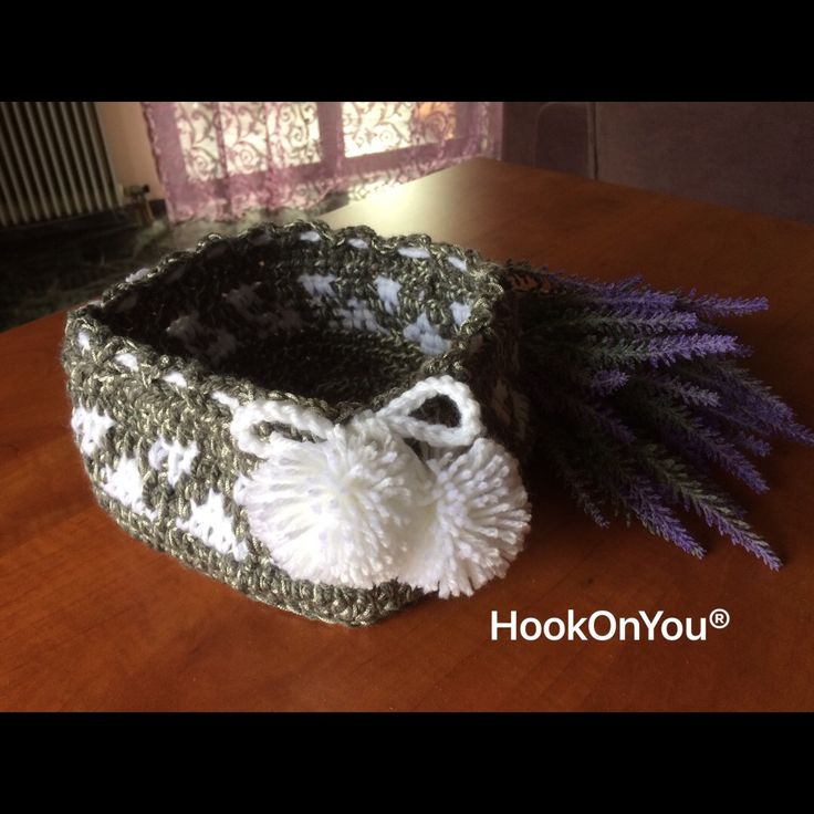 Some yarn leftovers and came up with this super cute basket for the bathroom 😍 My 1st time making crochet patterns! 🤓 Love the pompoms 💟💟 For order/purchase contact me 😉 #handmade #crochetbasket #crochetpatterns #hookonyou #pompoms