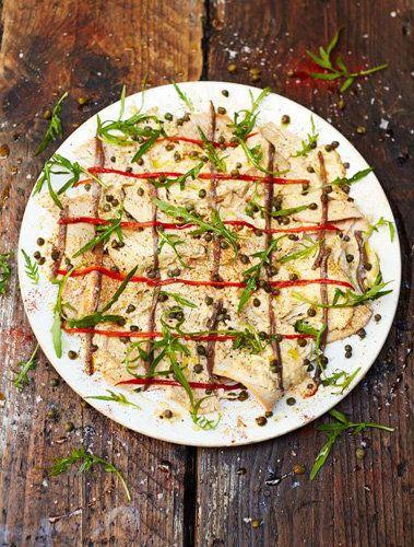 """Рецепты к Новогоднему столу. Как приготовить соус Tonnato  Рецепты к Новогоднему столу ну никак без вкусных соусов! Читайте, как приготовить соус Tonnato удивительное сочетание рыбы и мяса.  Итак, соус Tonnato -  классический соус из итальянского региона Пьемонт; этот соус замечателен сочетанием рыбы и мяса в одном блюде, а еще тем, что он великолепно """"оживляет"""" остатки от праздничного обеда..."""