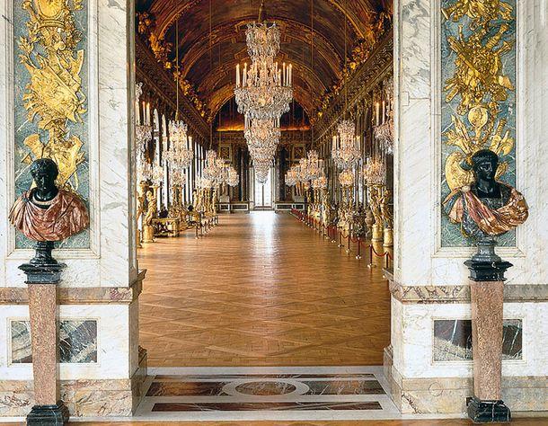 """Версальский дворец строила та же команда, что и Во-ле-Виконт. Приказ короля """"как у Фуке, но круче"""" был исполнен в точности."""