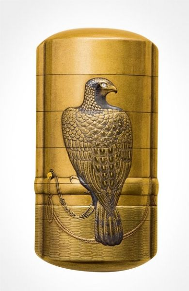 Lacquer inro with a falcon perched on a stand by Jukakusai Hisataka, 1850s, Japan 寿鶴斎久高