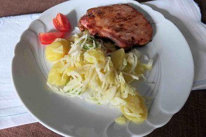 Warmer Kartoffel- Krautsalat