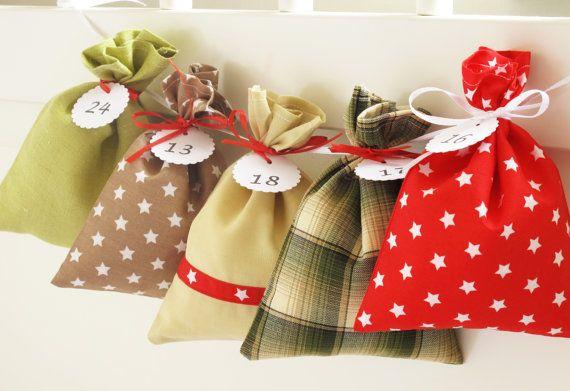 Countdown till Christmas: advent calendar bags for men! This Christmas fabric advent calendar is perfect for the coming advent 2015 season!  Using