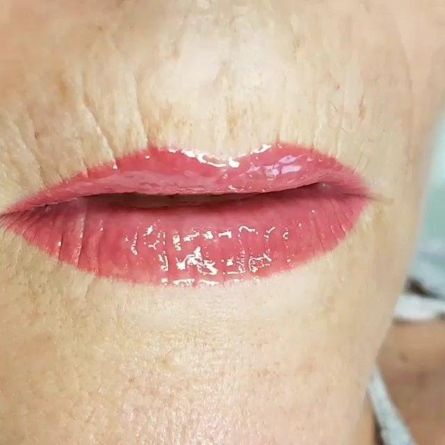 Permanent Make-up Lippen mit @longtimelinerofficial Für kostenlose Beratung & Vorzeichnen macht gerne einen Termin aus. 📲015155119015 #lipblush #lips #lipstick #lipcolour #lipenhancement #semipermanentlipblush #spmulips #spmu #pmu #beauty #beautyblogger #beautytreatment #makeup #mua #muablogger #loughton #london #essex #lastinglooks #nofilter #lipgame #frankfurt #hudabeauty #permanentmakeup #longtimeliner #makeup #makeupartist #lovemyjob