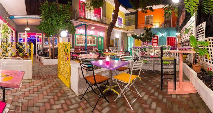 Najbarajo: Το μαγαζί στο Χαλάνδρι με την πιο πολύχρωμη αυλή της Αθήνας