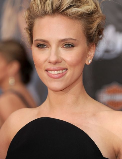 Scarlett Johansson, real women have curves.