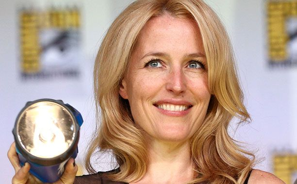 'The X-Files' star Gillian Anderson to pen sci-fi book series for new Simon & Schuster imprint — EXCLUSIVE | EW.com