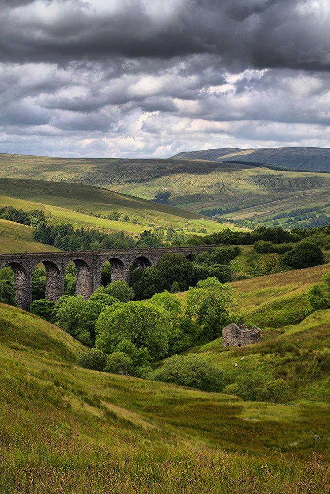 Dent Head Railway Viaduct - Yorkshire Dales National Park, England