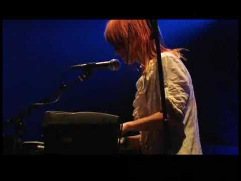 Paramore - Emergency Live I love the piano intro