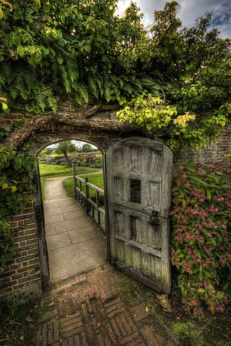 Through the garden gate   ..rh