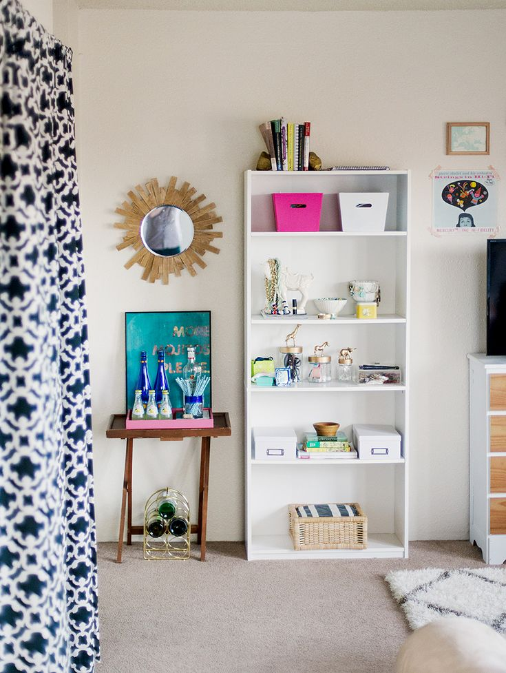 Social Stylate's Amanda Risius shows her Iowa apartment to The Everygirl
