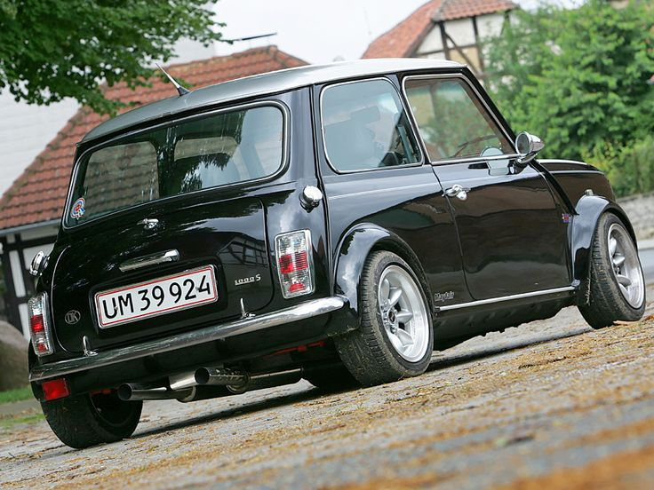 421 best classic mini images on pinterest classic mini mini coopers and classic trucks. Black Bedroom Furniture Sets. Home Design Ideas