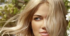 Vous avez décidé de boycotter le coiffeur et d'éclaircir vos cheveux vous-même ? Miel, camomille, citron… Cosmo vous propose une sélection d'ingrédients naturels pour éclaircir vos cheveux naturellement, à domicile. Découvrez nos astuces pour afficher une crinière de surfeuse.