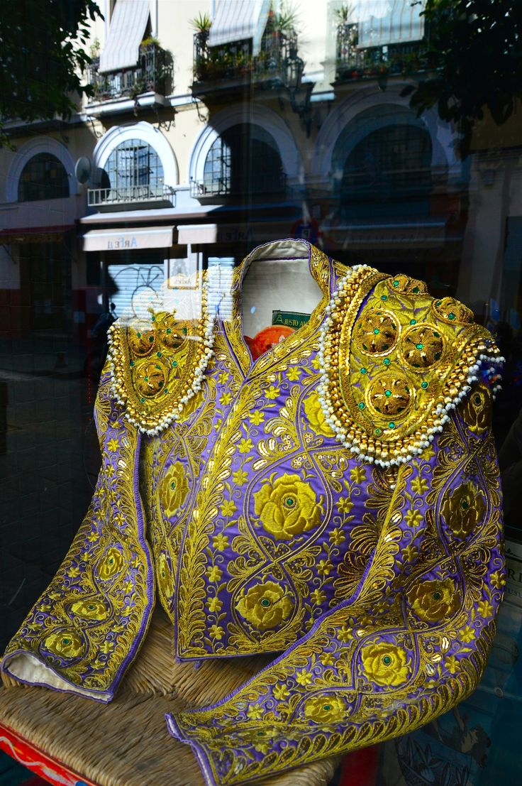 Lasse Persson - Matador´s jacket called Chaquetilla is a short jacket with shoulder pads designed with embroidered patterns and sequins. The jacket is worn untucked so the bullfighter will be able to move his arms freely.