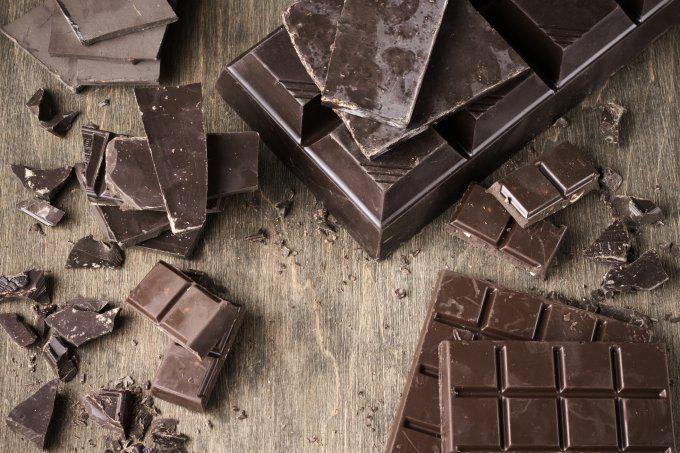 Os 5 alimentos que mais viciam seu cérebro (chocolate é um deles)