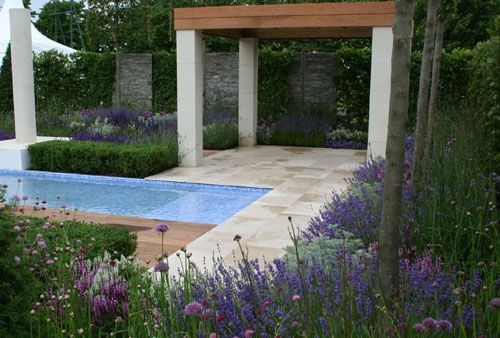 The Italian Job Garden    By garden designer Jack Dunckley. A garden based on the simplicity of geometry and is inspired by a combination of Italian stylistic design, and modern contemporary garden designs: Style Plants, Mediterranean Style, Court Flowers, Flowers Show