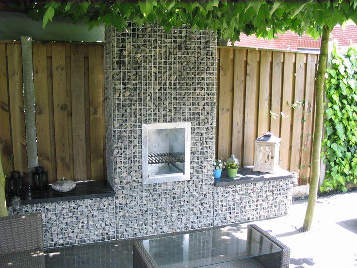 De tuinhaard bbq kunt u eenvoudig tegen uw schanskorf of stenen muur plaatsen deze volledig - Decoratie jardin terras ...
