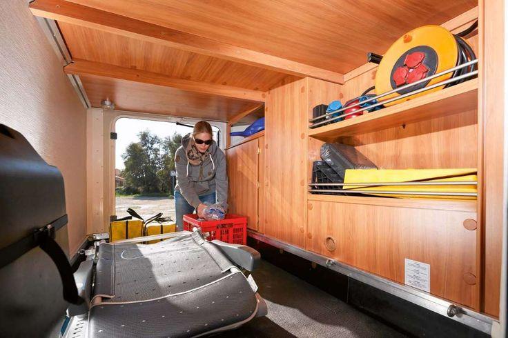 Garage mit reichlich Platz und guter Ausstattung, aber knapper Höhe für Trekkingräder. - Ingolf Pompe, Jürgen Bartosch (4)