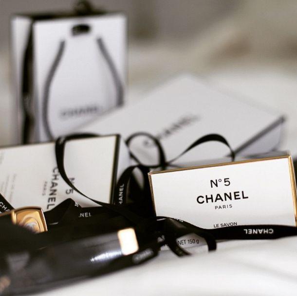 being me..., dustjacketattic:   Chanel | Instagram