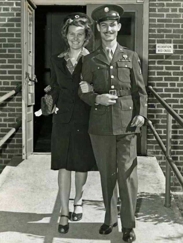 The Hacksaw Ridge true story reveals that Desmond Doss married Dorothy Schutte on August 17, 1942, before going on active duty. ... Desmond first met Dorothy at church in Lynchburg, Virginia. The real Dorothy Schutte and Desmond Doss (left) were married on August 17, 1942.