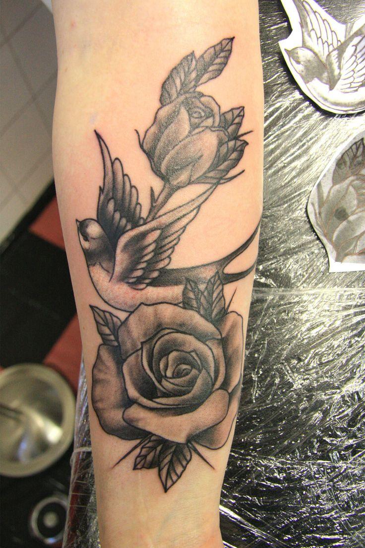 die 25 besten ideen zu schwalben tattoo auf pinterest schwalben vogel tattoos 3 v gel tattoo. Black Bedroom Furniture Sets. Home Design Ideas