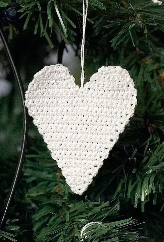 Hjerte - heklet julepynt