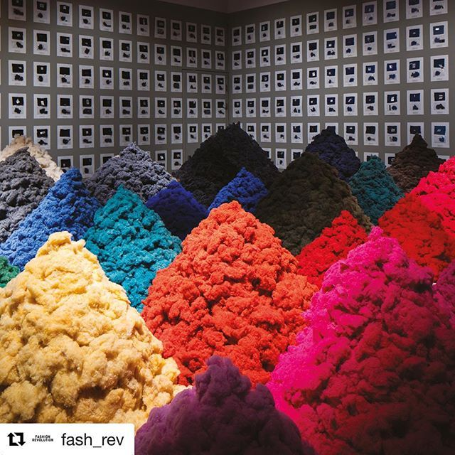 #Repost @fash_rev (@get_repost) ・・・ 'Fibre Market' by Christien Meindertsma is an installation exploring the role of technology to increase textiles recycling. Meindertsma worked with two textile companies to machine-sort 1,000 discarded woollen jumpers into rainbow-hued piles of fibres. ❤️🧡💛💚💙💜However, while sorting through the jumpers, Meindertsma discovered that the 100% wool labels weren't that accurate. Many jumpers were blended fabrics with as little as 40% wool. 🧐We know so…