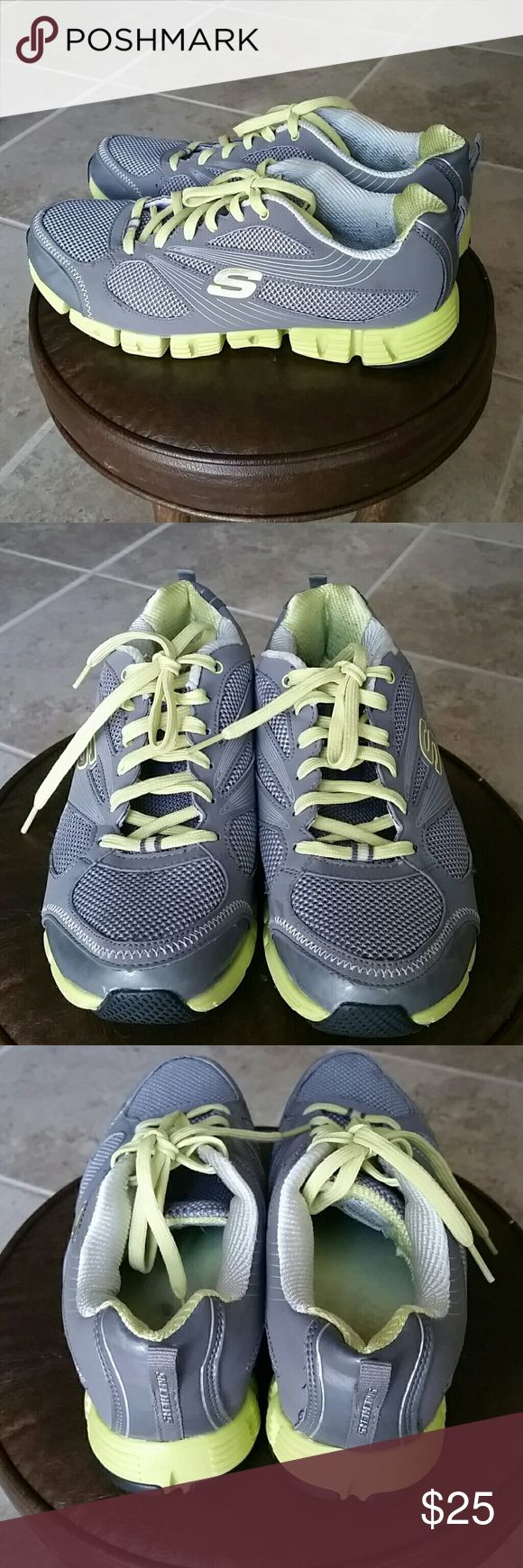 Sketches tennis shoes Comfortable for walking and running. Skechers Shoes Athletic Shoes