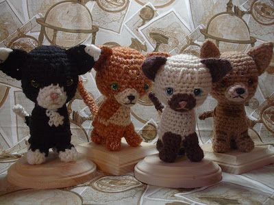 free #crochet pattern for these cute kittens. lots more on the site