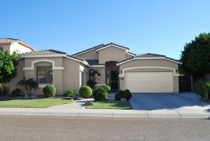 Best 25 stucco house colors ideas on pinterest best for Using exterior paint indoors