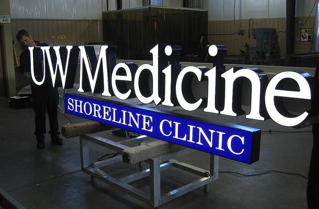 Medical Center Signage | Exterior Channel Letters | Exterior Signage Manufacture | Exterior Clinic Sign | UW Medicine | University of Washington Clinic