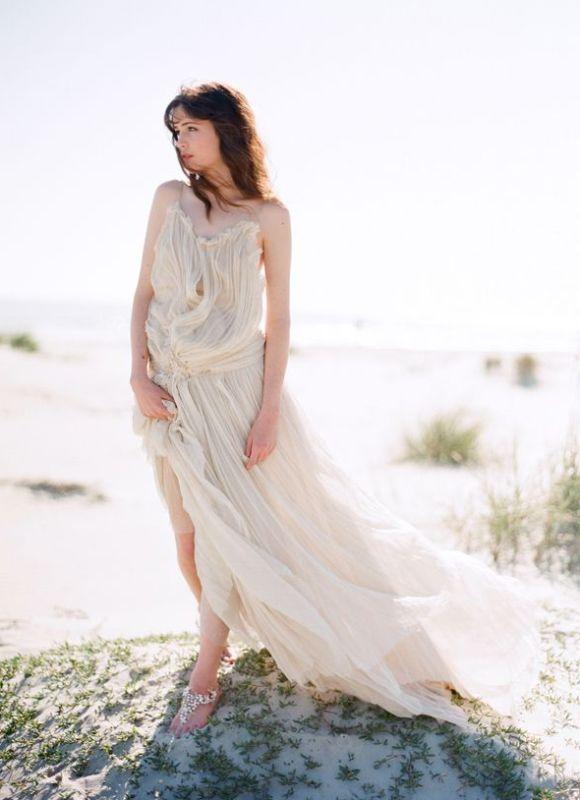 25 Best Wedding Dresses for the Fine Art Bride | Wedding Sparrow