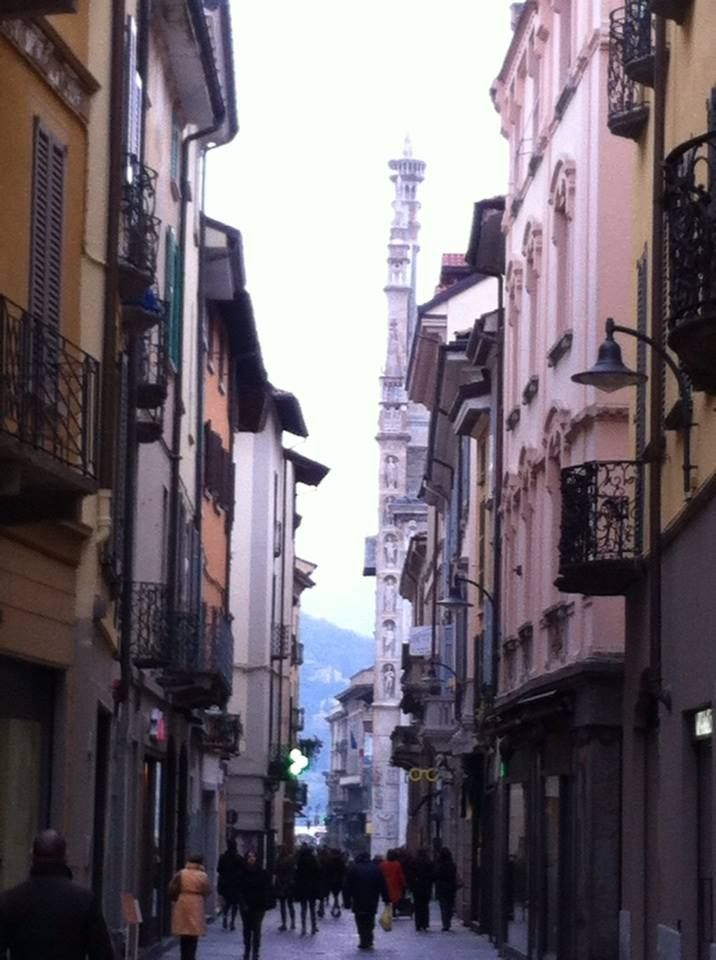 One of the main shopping streets in Como!