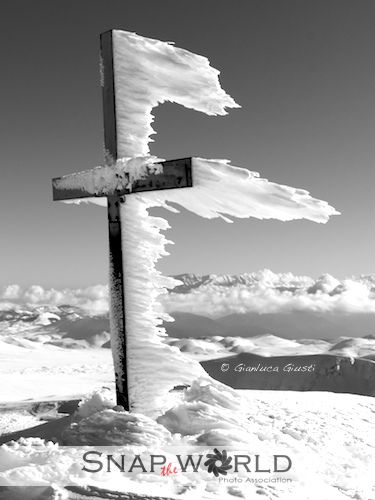 """Wouldn't it be amazing to see the making of this? A time-lapse video would be such a cool thing to watch http://archimedesclaw.authorsxpress.com """"Ice Cross - Italy"""""""