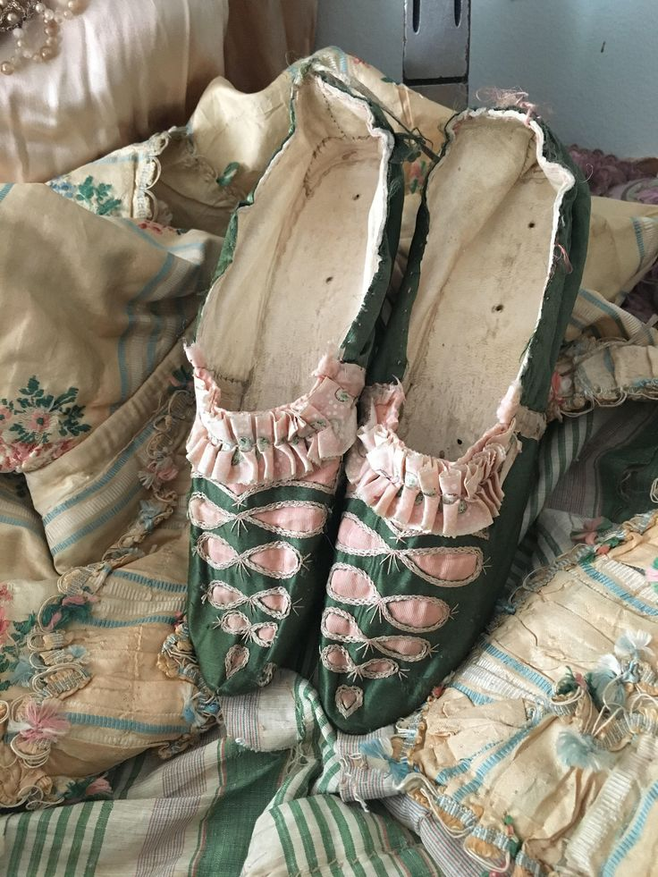 RARE Antique 18th Century 1700s Shoes Green Silk Pink Ribbon Accent White Heal by BellaBordello on Etsy https://www.etsy.com/listing/567962246/rare-antique-18th-century-1700s-shoes