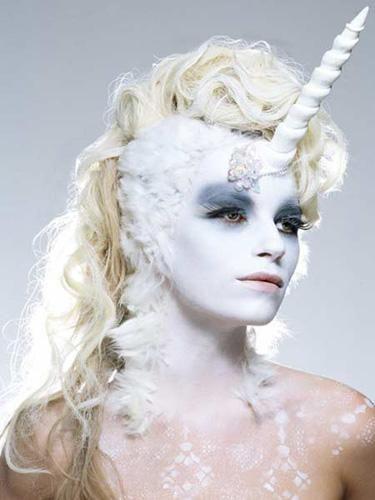 Utterly incredible! #unicorn #costume #makeup #Halloween